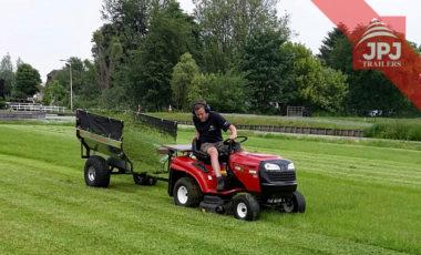 Przyczepa ATV Ogrodnik ciągnięta za kosiarką do trawy
